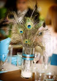 10. Simple Yet Elegant Peacock Centerpiece