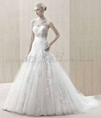 7. Strapless Lace Spring Wedding Gown