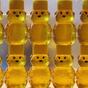 10 Unique Honey Wedding Favors that are Delicious