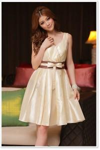 8. Simple Bridesmaid Dress