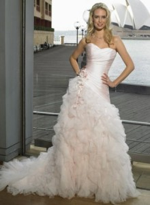 A-Line.Sweetheart.Romantic.Pink.Wedding.Dress.With.Flowers.And.Tiered.Ruffles.159270a21da88b58441cf09ed66279c8.image.340x462_large