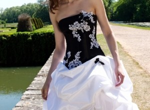Black-Wedding-dress-with-corset-back-behind-2