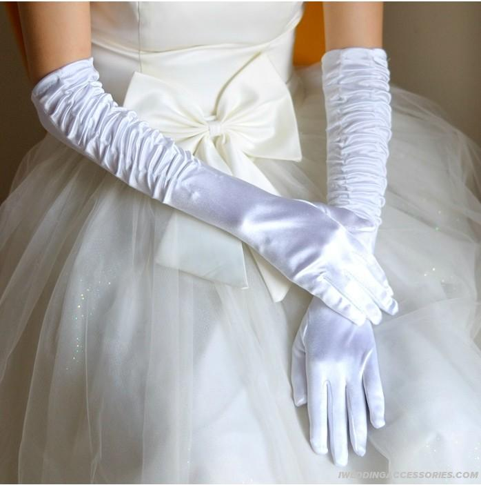 10 stylish accessories for mermaid wedding dresses for Wedding dress with long gloves