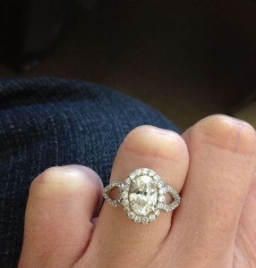 custom_oval_halo_engagement_ring