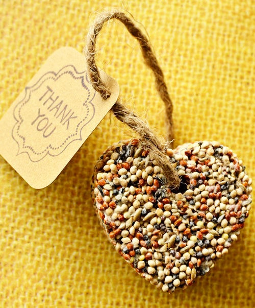Diy Wedding Gifts: 10 Inexpensive Engagement Party Favor Ideas