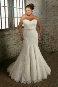 Beading Belt Strapless White Lace Mermaid Plus Size Wedding Dress 2012 With Ribbon
