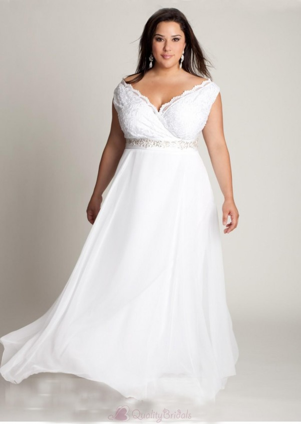Ten plus size lace wedding dresses that you will love for Lace wedding dresses plus size