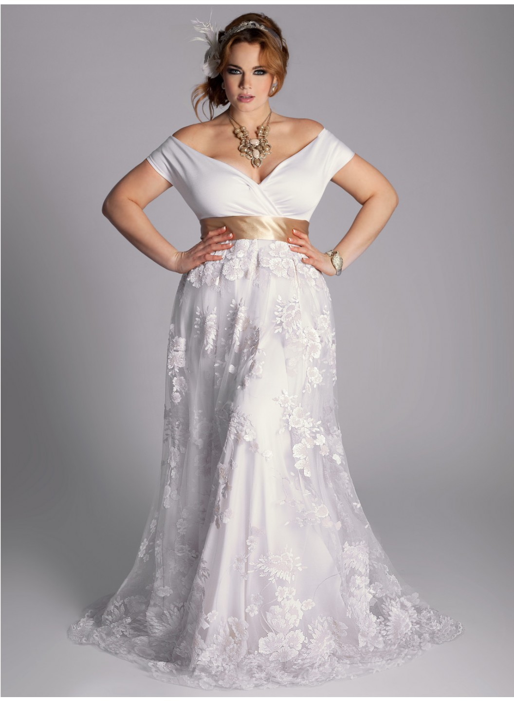 Ten plus size lace wedding dresses that you will love for Best wedding dresses for short fat brides