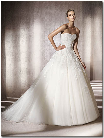 European-Plus-Styles-Pronovias-Alcanar