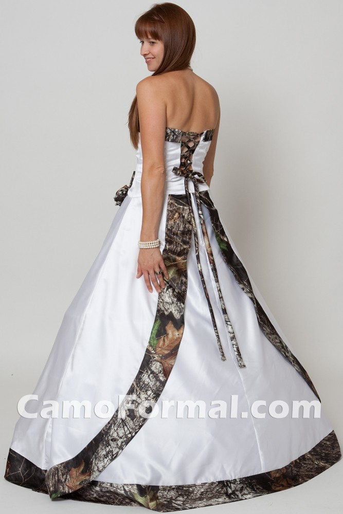 Southern Wedding Dresses With Camo So where's the camo?