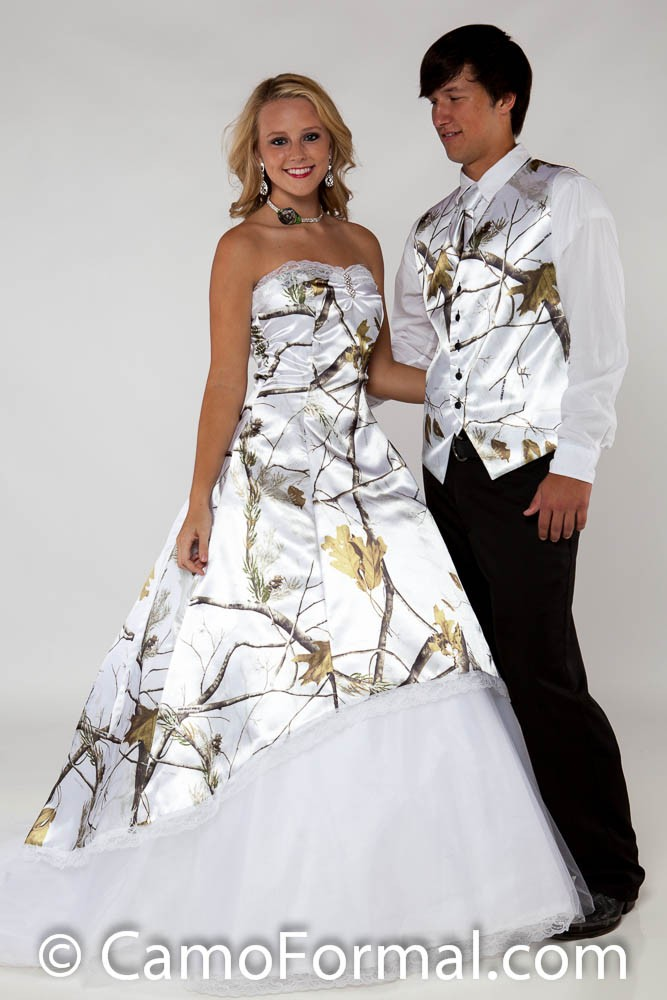 The Ten Most Awesome Camo Formal Wedding Dresses For a Country ...