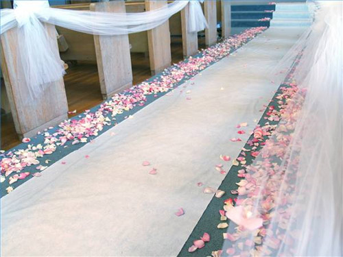 When S Are Planning Their Wedding There Many Decisions They Need To Make One Decision Is Whether Will Use A Aisle Runner