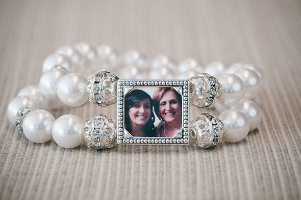 Perfect Wedding Gift For Sister: Top Ten Mother Of The Bride Gifts To Make Her Happy