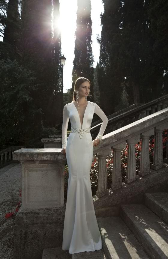 Top 10 long sleeve wedding dresses best for a winter for Long sleek wedding dresses