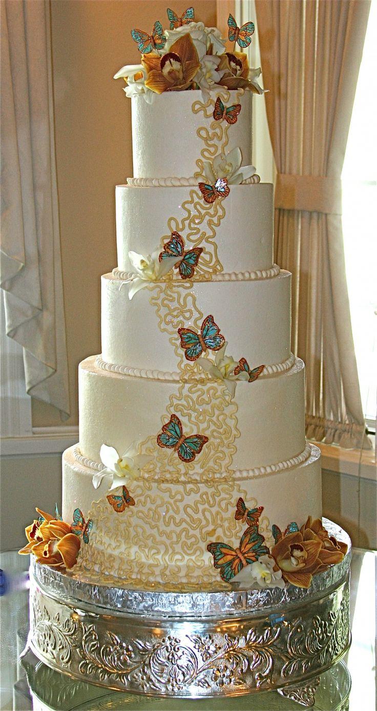 Top 10 Romantic Wedding Cake Designs For A Summer Wedding