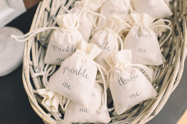 7-trending-wedding-reception-details-for-summer-2014-Confetti-Bags-1.50-The-Wedding-of-my-Dreams-Credit-Daffodil-Waves-Photography-155