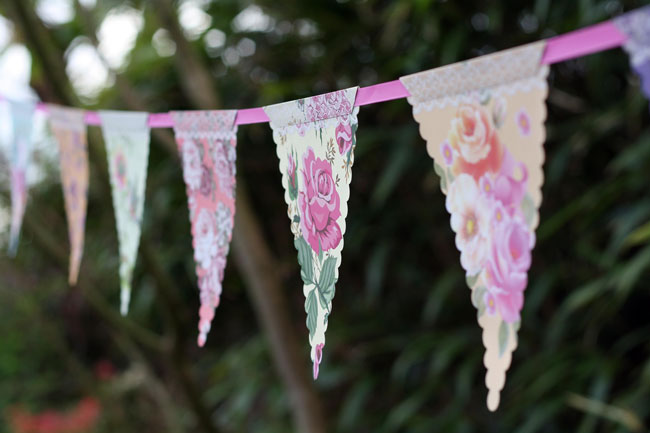 7-trending-wedding-reception-details-for-summer-2014-Country-Garden-Bunting-6.50-The-Wedding-of-my-Dreams
