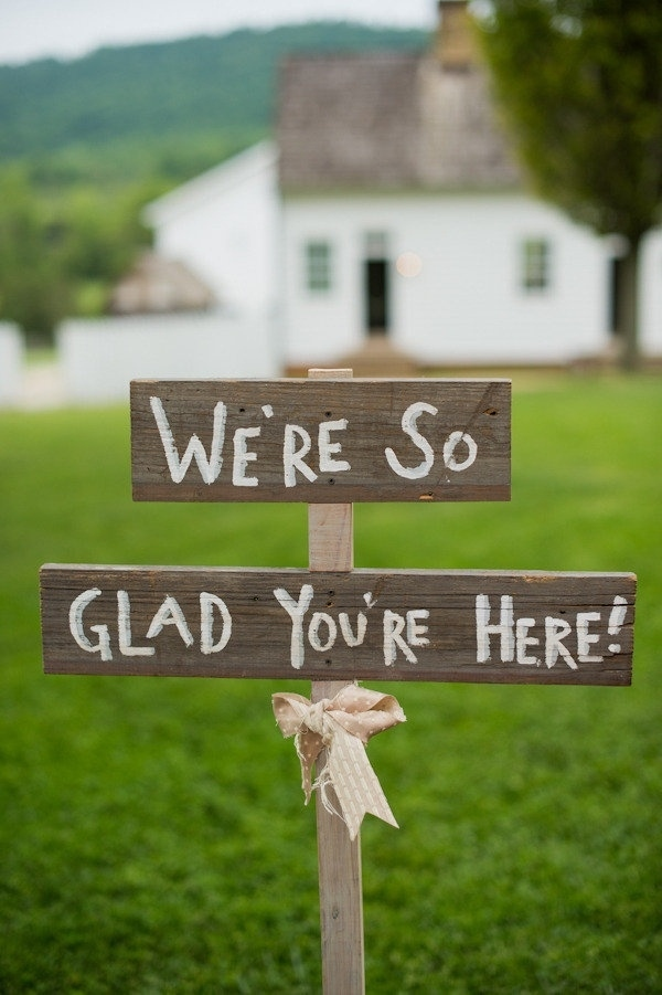 40 Awesome Signs Youll Want At Your Wedding Bestbride101