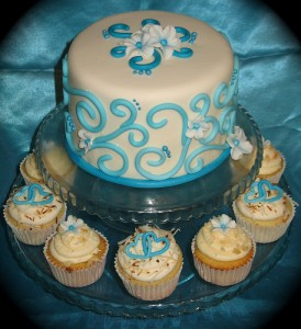 3. Cupcakes with another Cake