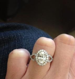 custom_oval_halo_engagement_ring