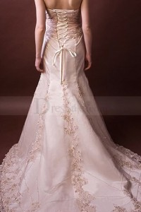 pink-lace-embellished-mermaid-wedding-dress_1358427333363