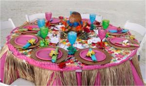 pink-tropical-hawaiian-table-setting-totally-diy-for-beachside-rehearsal-dinner.original