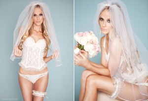 03_5_white_wedding_garter
