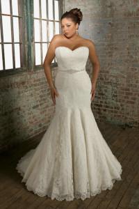 Beading Belt Strapless White Lace Mermaid Plus Size Wedding Dress 2012 With Ribbon