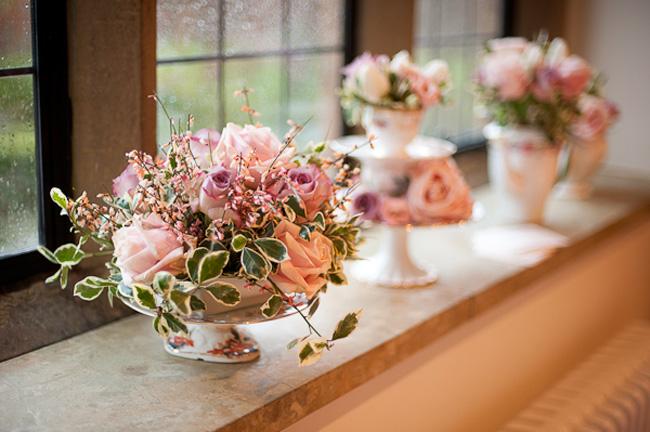 behind-the-scenes-on-a-vintage-winter-wedding-shoot-flowers-DSC_3510